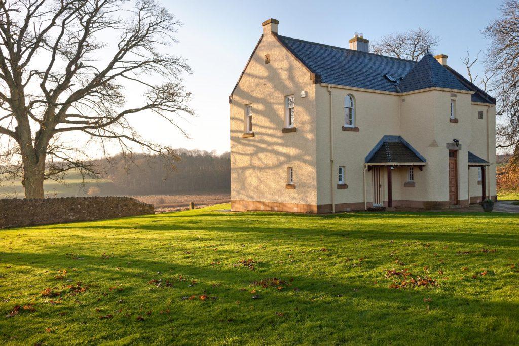 Teasses-estate-property-to-let ©Andrea Jones