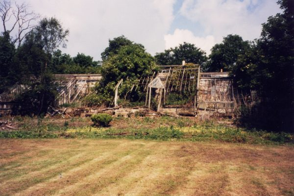 walled-garden-greenhouse-victorian-Teasses-resotration-estate-fife-gardens